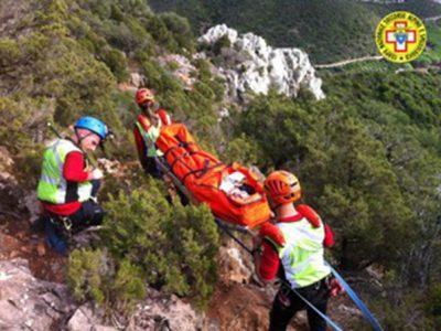Gli uomini del Soccorso Alpino e Speleologico durante i soccorsi sul Monte Cusidore