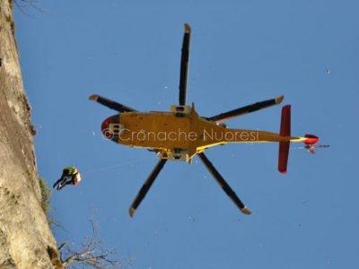 Un intervento dell'elisoccorso del Corpo Nazionale Soccorso Alpino e Speleologico