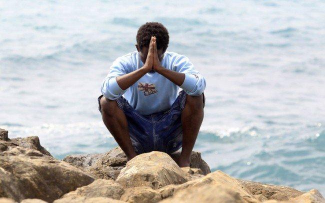 Nuovo naufragio a largo della Libia: morti 50 migranti