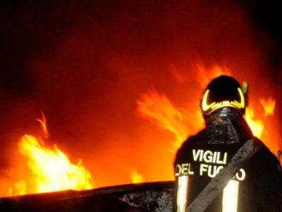 Un intervento dei Vigili del fuocoUn intervento dei Vigili del fuoco