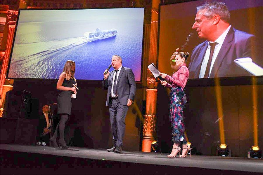 il responsabile commerciale della Tirrenia Roberto Patrizi nel corso della cerimonia