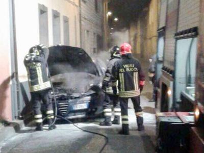 I Vigili del fuoco impegnati nell'intervento di questa notte