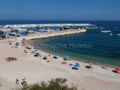 Uno scorcio della spiaggia di Cala Gonone (foto S.Novellu)