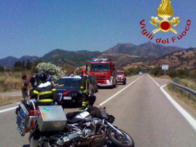 La moto dei due turisti tedeschi dopo l'incidente