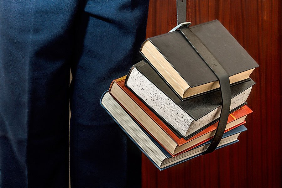Nuoro. In pagamento i contributi per i libri di testo e le borse di studio