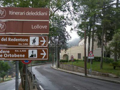 Cartellonistica indicante il belvedere al Monte Ortobene