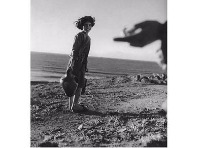 W.Bischof, ragazza a Funtana a mare, 1950 © Magnum Photos