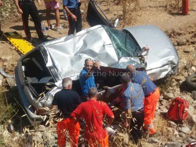 I soccorsi alla giovane dopo l'incidente