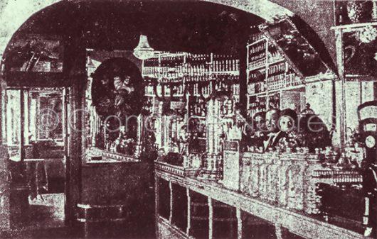 L'interno del Caffè Laconi veduta interno, anni Venti