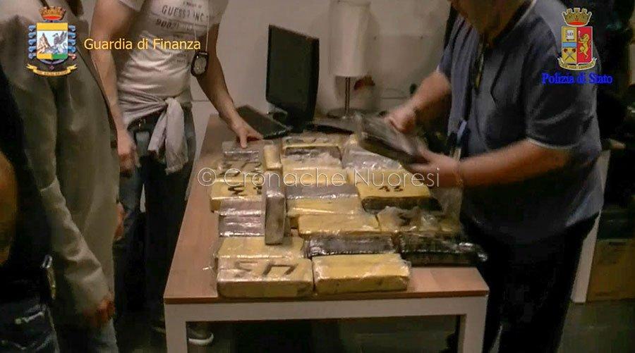 La droga posta sotto sequestro