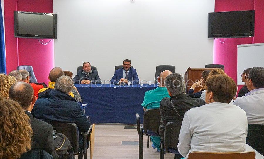 Il direttore generale di AREUS Lenzotti e l'assessore alla Sanità Arru (foto Cronache Nuoresi)