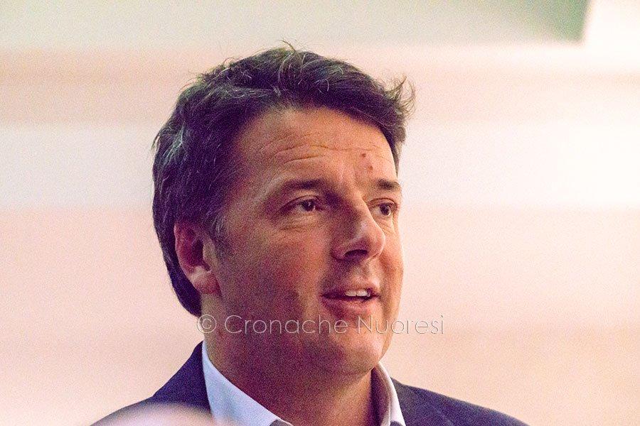 Matteo Renzi durante la visita a Nuoro (© foto S.Novellu)