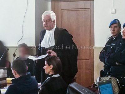 Gli avvocati della difesa di Cubeddu (foto Cronache Nuoresi)