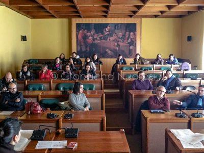 Nuoro, Riunione della Commissione Servizi Sociali per la questione Asilo Primi Passi (foto C.Nuoresi)