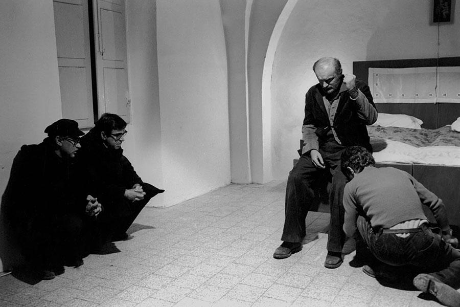 Una scena tratta dal film di padre padrone dei fratelli Taviani
