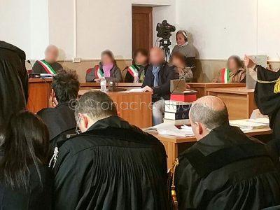 Un momento del processo per il delitto Monni-Masala (foto Cronache Nuoresi)