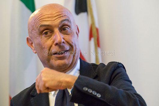 Il ministro dell'Interno Marco Minniti a Nuoro (© foto S.Novellu)