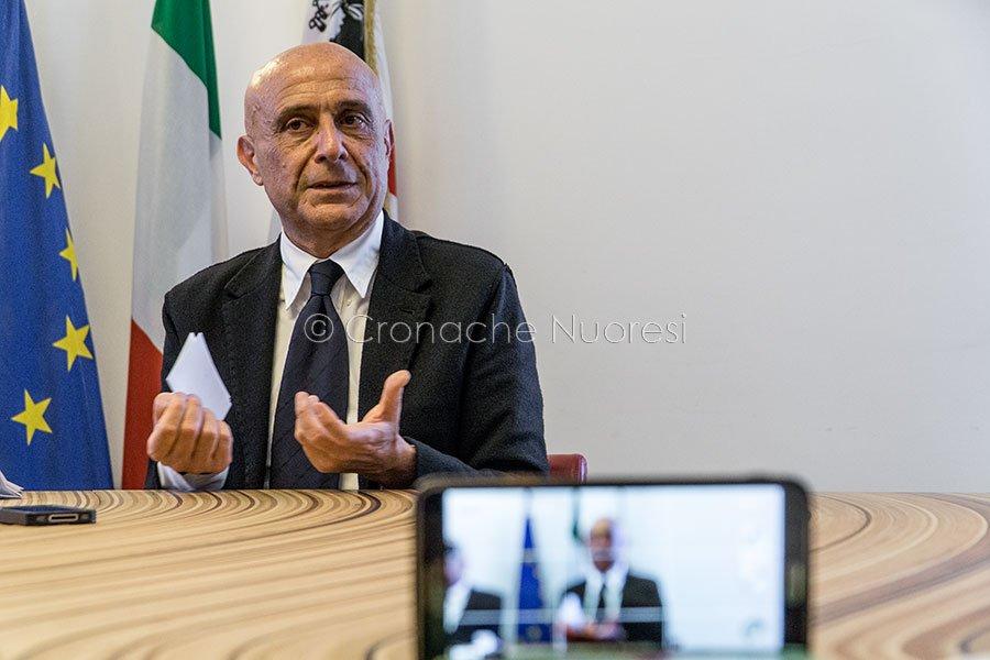 Il ministro dell'Interno Marco Minniti a Nuoro (foto S.Novellu)