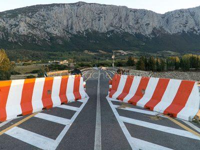 Il ponte di Oloè ancora chiuso al traffico (foto S.Novellu)