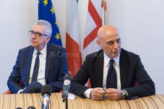 Pigliaru e Minniti durante la conferenza stampa in Provincia a Nuoro (foto S.Novellu)