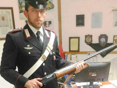 L'arma sequestrata dai Carabinieri