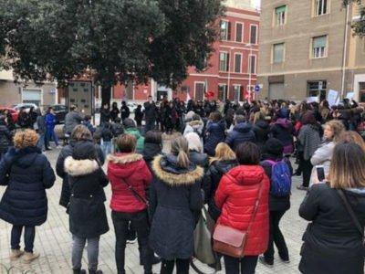 La protesta degli insegnanti a Cagliari