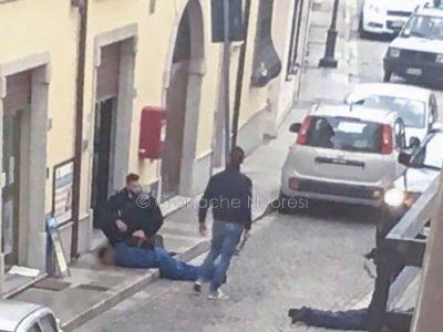Onifai, i due rapinatori arrestati dopo il colpo alle Poste (© Cronache Nuoresi)