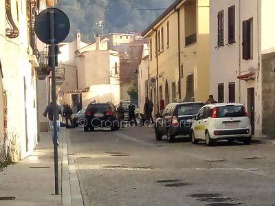 Onifai, il momento dell'arresto dei due rapinatori (© Cronache Nuoresi)
