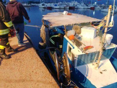 Il peschereccio in difficoltà