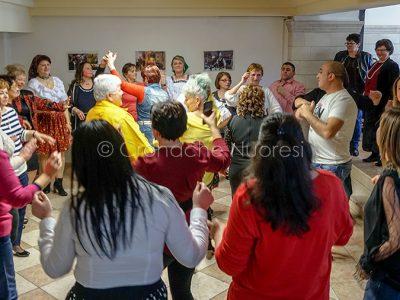 Nuoro. Un momento della festa delle originarie della Romania (foto S.Novellu)