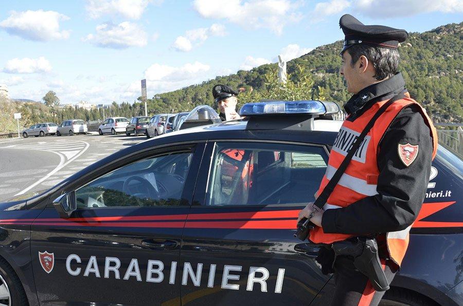 Un posto di blocco dei Carabinieri di Nuoro