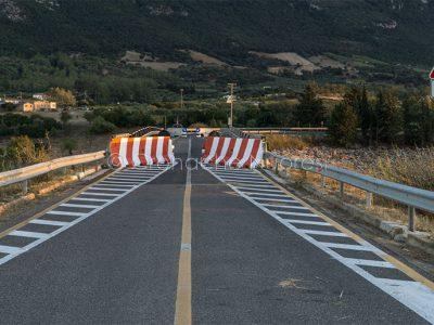 Oliena, il ponte di Oloè interdetto al traffico (foto S.Novellu)