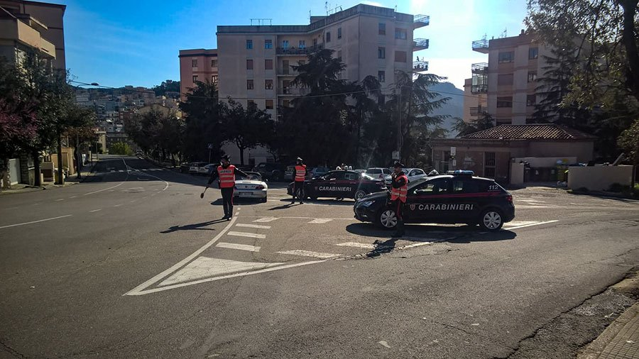 Nuoro, un posto di blocco dei Carabinieri