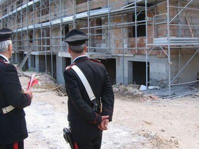 Un controllo dei Carabinieri nei cantieri