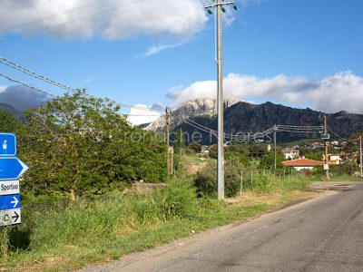 Lula, l'ingresso al paese (foto S.Novellu)