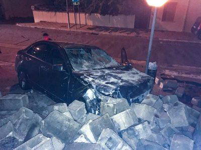 Orgosolo, la Mercedes dopo lo schianto contro il muro