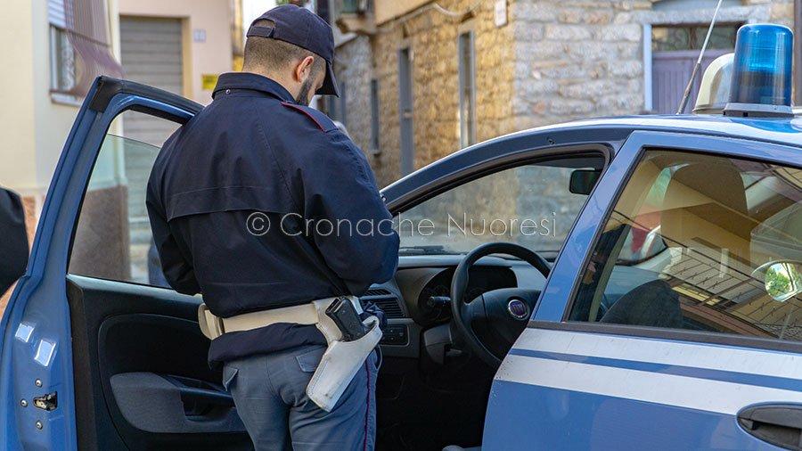 Nuoro, una volante della Polizia (foto S.Novellu)