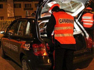 Un controllo dei Carabinieri durante la notte