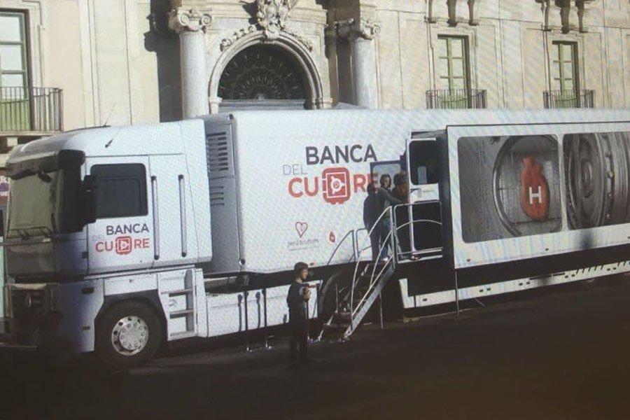 Il camper della Banca del Cuore
