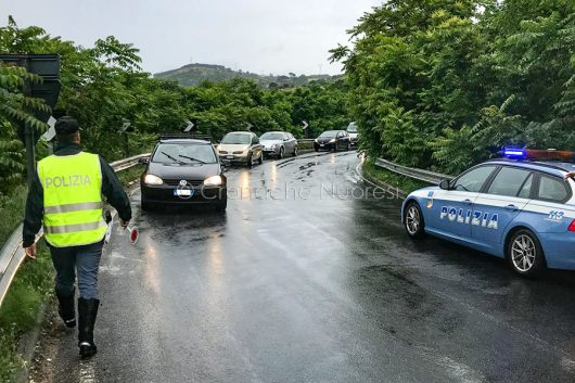 La Stradale regola il traffico dopo l'incidente