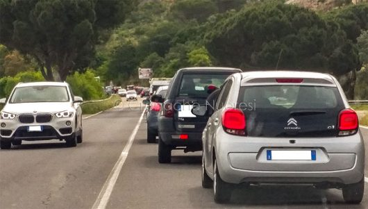 Traffico in tilt all'ingresso di Nuoro (foto S.Novellu)