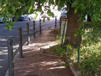 Nuoro, marciapiedi impraticabili in piazza Veneto-(foto-S.Novellu)