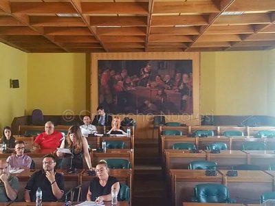La Minoranza abbandona l'aula Consiliare (foto Cronache Nuoresi)