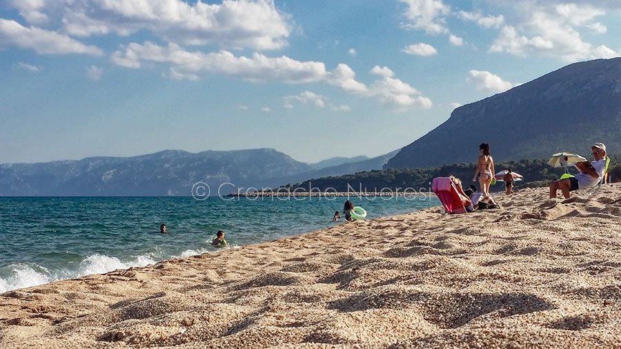 Orosei, spiaggia Su Petrosu (foto S.Novellu)