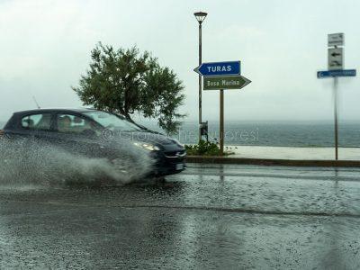 Bosa Marina. Il temporale estivo allaga le strade (foto S.Novellu)