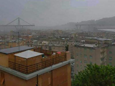 Uno scorcio di Genova col ponte Morandi crollato (foto A.Manca)