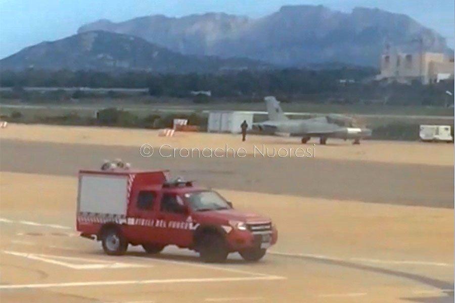Atterraggio di emergenza all'aeroporto di Olbia