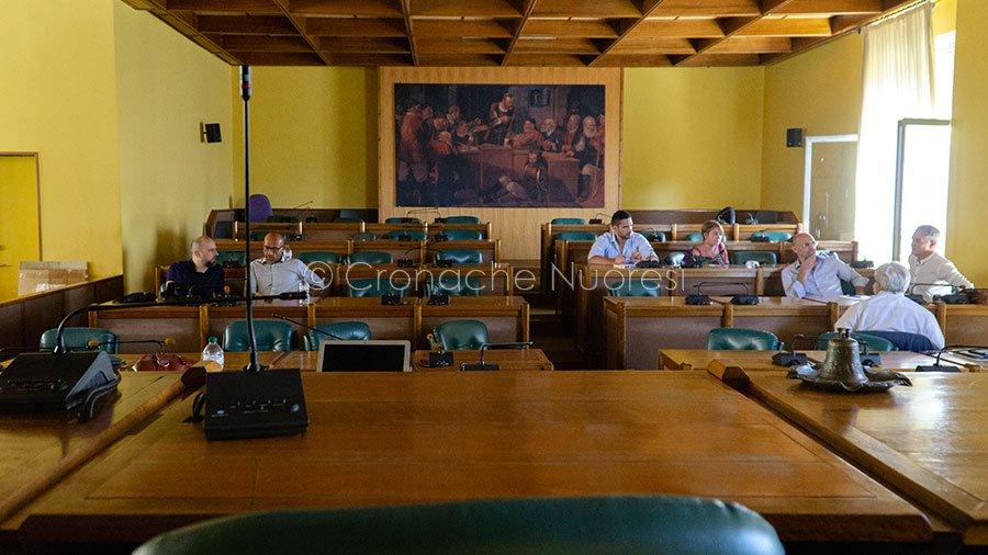 Il Consiglio Comunale di Nuoro occupato dalla Minoranza (© foto S.Novellu)