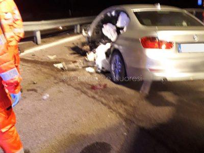 La BMW del giovane dopo l'incidente