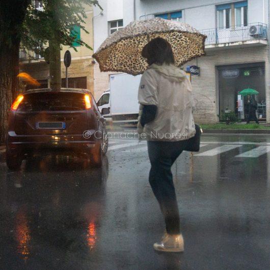Maltempo, Nuoro sotto la pioggia (foto S.Novellu)